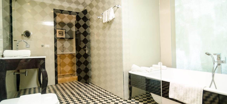 כפר כינרת - חדר דלוקס - אמבטיה