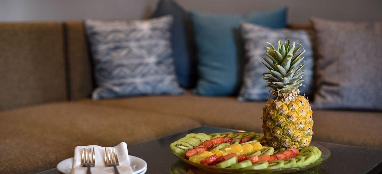 פירות העונה בחדר